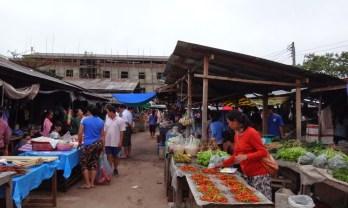 ラオス-タイ國境 ムガン  Muang Ngeun へ