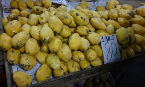 50ペソ/kg のマンゴーは美味くなかった