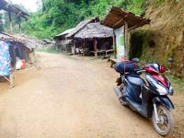 Ban Nai Soi Kayan Long Neck Village
