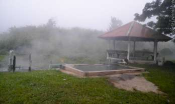 Pong Bua Ban Hot Springs ポンブアバン温泉