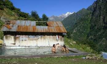 Khir Ganga Hot Springs キルガンガ温泉  India