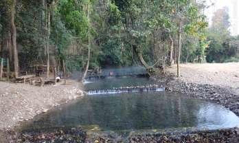 サイガム温泉は川底温泉