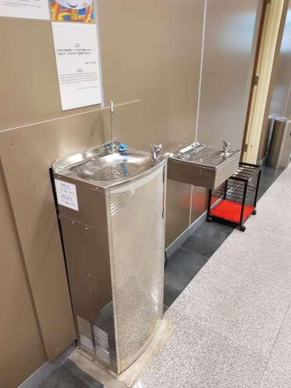 体育館の冷水機