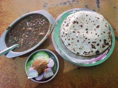 Banbasa で食べる