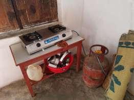 ガスコンロ食器付きの部屋