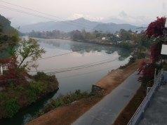 Hotel Lake Peace の屋上からの眺め、朝
