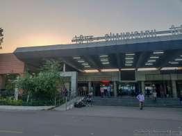 CHANDIGARH駅で朝までゴロ寝
