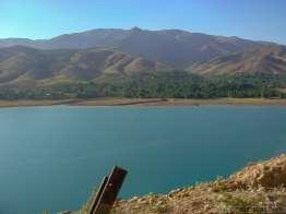 チャルヴァク湖 Chorvoq Suv Ombori