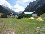 カラコル温泉 Altyn-Arashan とハイキング