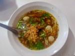 タイ・ヌードルの麺の量はなぜいつもこんなに少ないのか、という永遠の謎に迫る