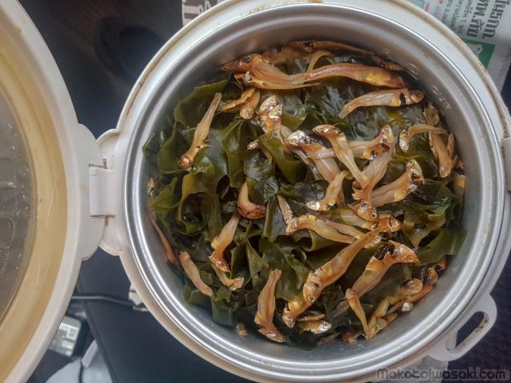 煮干しワカメご飯