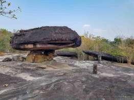タイ一番の驚愕自然公園:プーフラバット歴史公園
