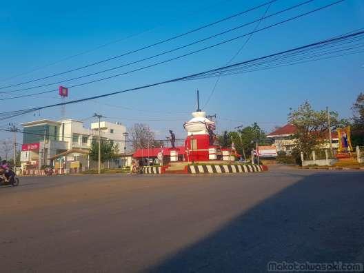 Loei への途中の街