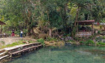 カシ温泉は天然ぬる湯良質だが:ラオス