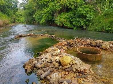 川中に湧くラムシン温泉:パッタルン