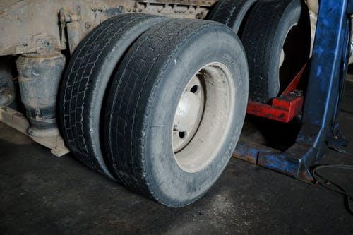 Find de rigtige dæk til din bil