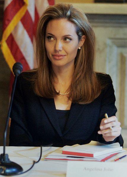 Angelina-Jolie-47