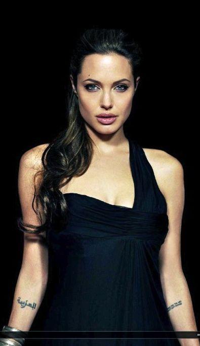 Angelina-Jolie-48
