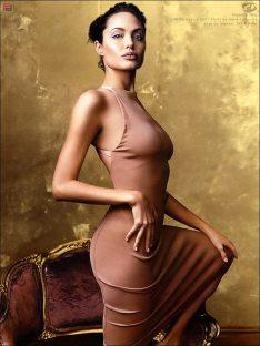 Angelina-Jolie-74