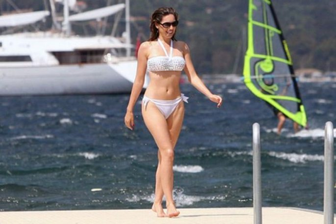 Kelly-Brook-157