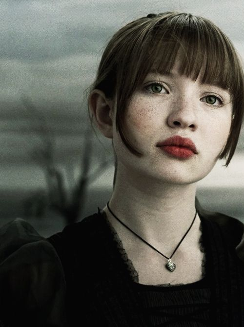 Emily-Browning-Photo-2016-2