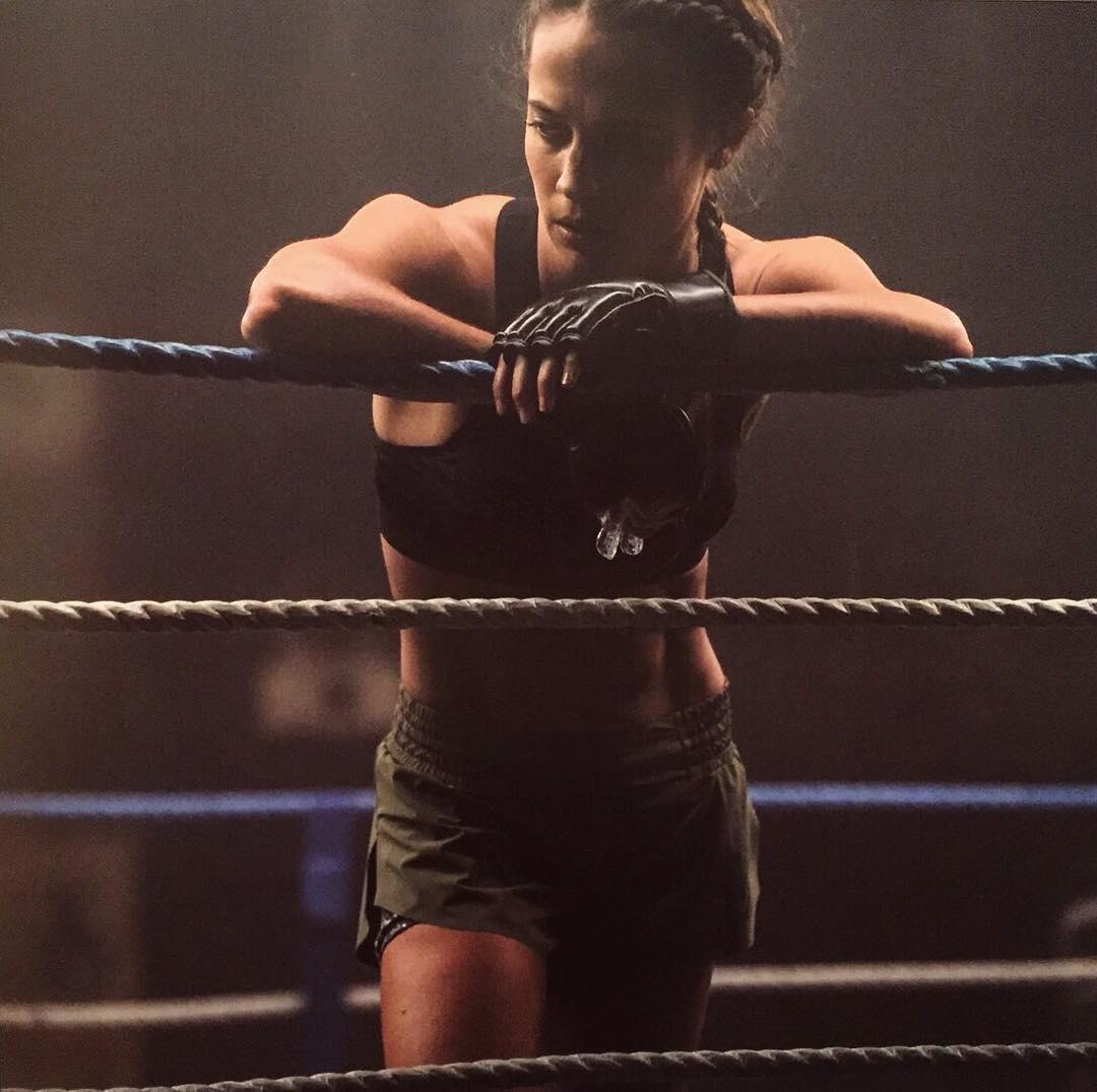 Alicia-Vikander-Yeni-Fotograflari-3