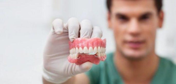 Protez Dişler Hakkında Merak Edilenler