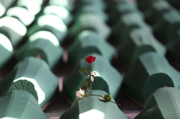 Srebrenitsa'da ne oldu?
