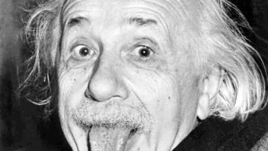 Photo of Albert Einstein Kimdir?