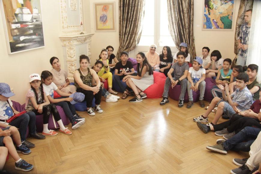 В центре Максуда Ибрагимбекова прошел праздник детского творчества