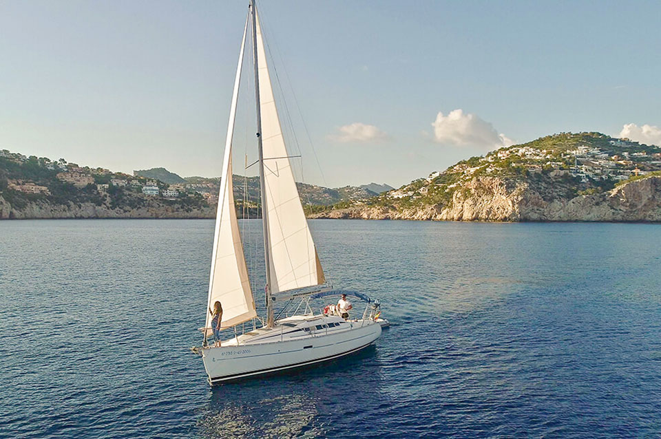Boat Hire Port d'Andratx Beneteau Oceanis