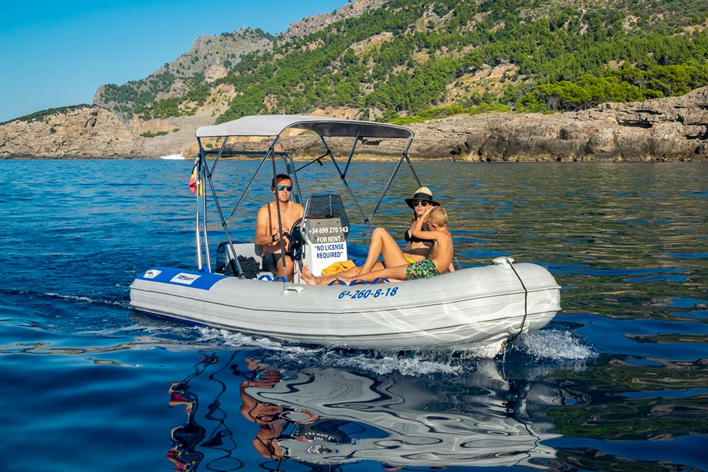MaksyBoats, boat hire in Mallorca, Port de Sóller