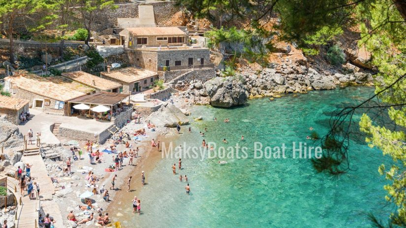 Excursión privada en barco a Sa Calobra, Mallorca, con MaksyBoats
