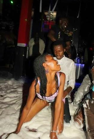Harare Night Club Pictures shock the nation as women are F#CKED ON THE DANCE FLOOR