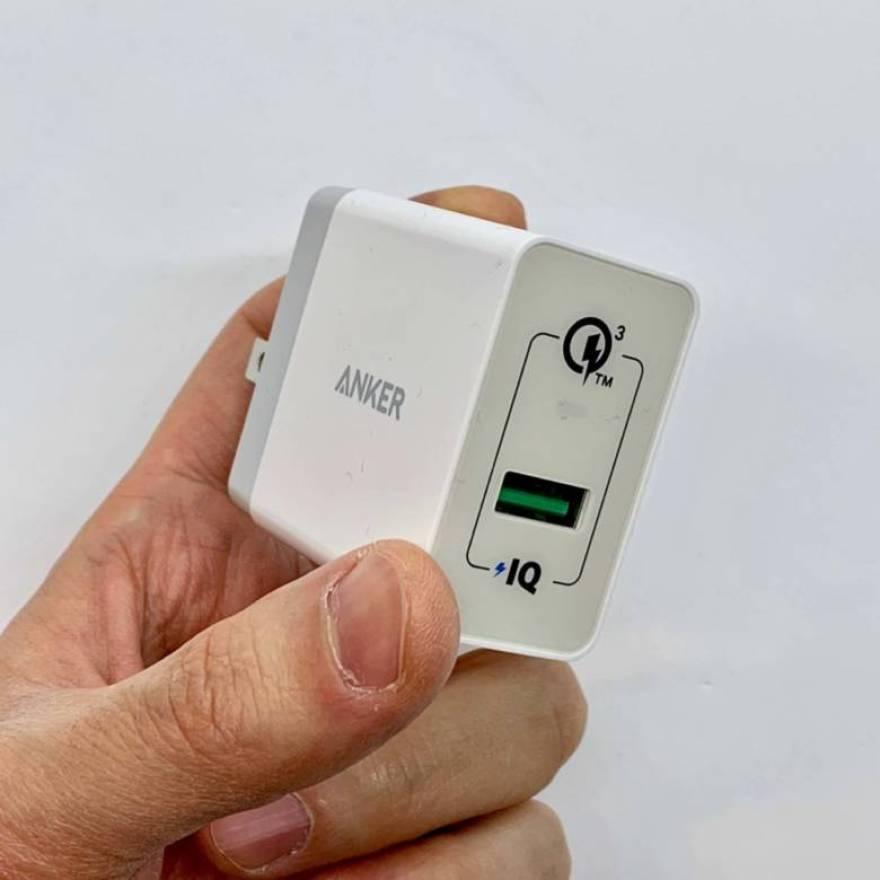 Anker PowerWave 7.5 PadはQC3.0対応USB充電器の併用でiPhoneに最大7.5Wでワイヤレス充電可能
