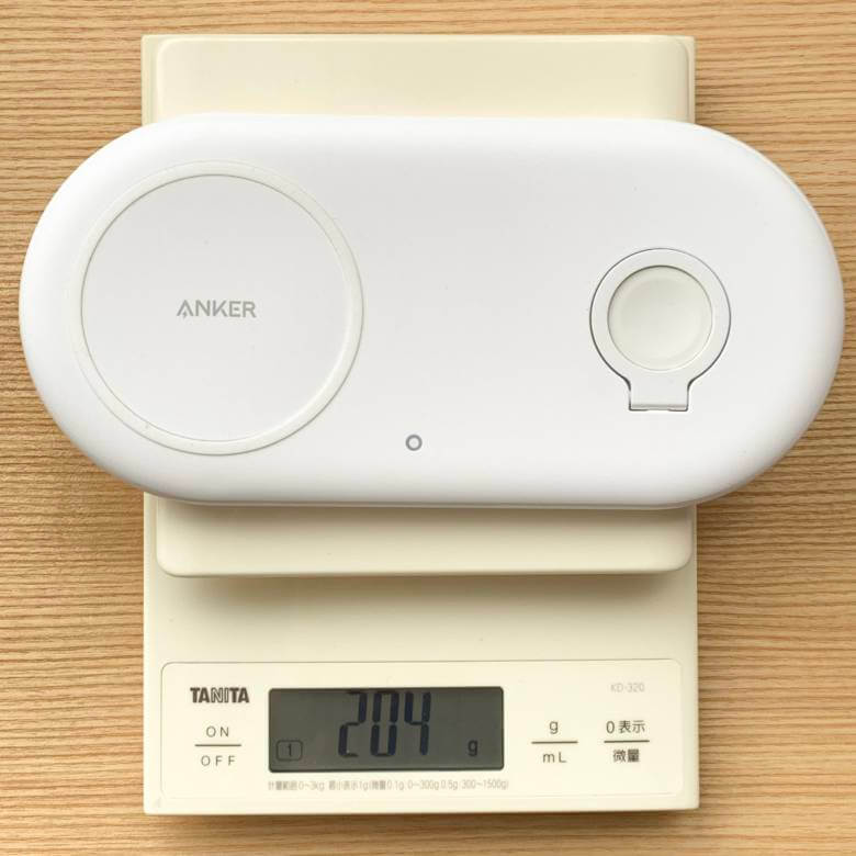 Anker PowerWave+ Pad with Watch Holderの重量は約200g