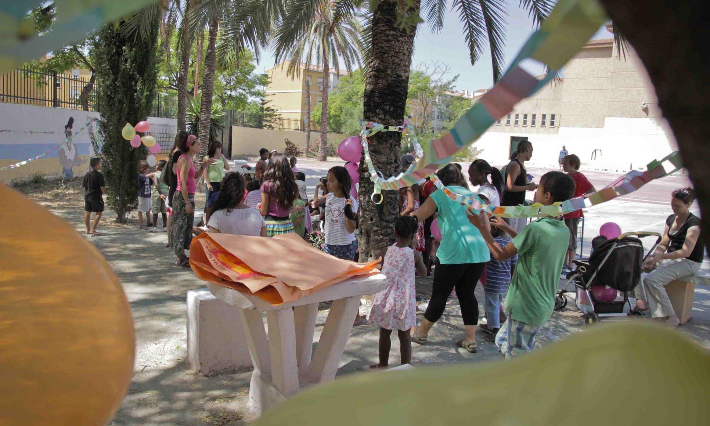Fin de fiesta con bailes en las colonias urbanas