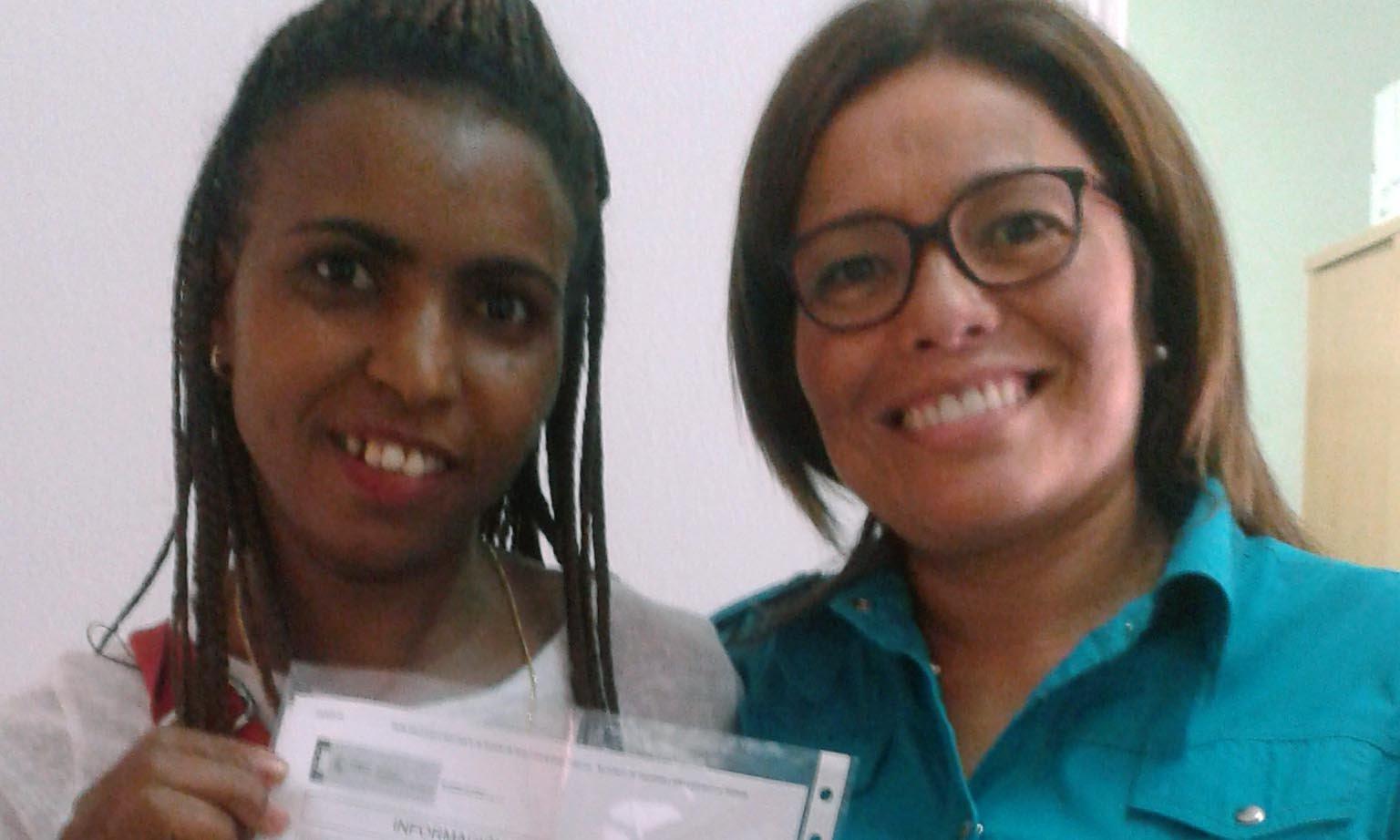 Aicha consigue sus permisos de residencia y trabajo