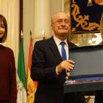 El Ayuntamiento reconoce la labor de Málaga Acoge en defensa de los derechos humanos de las personas migrantes