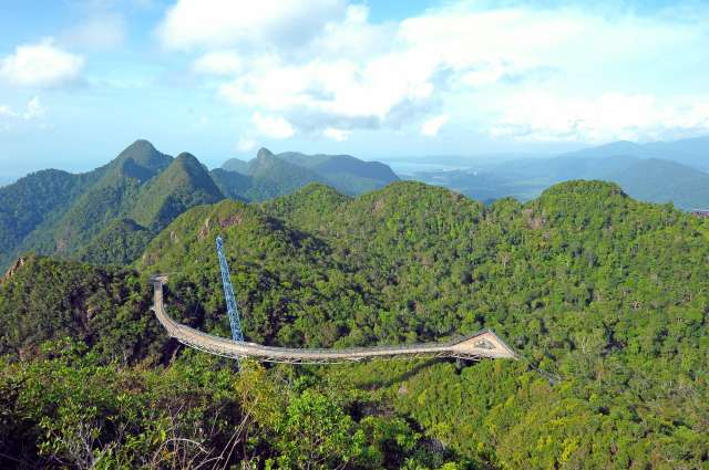 Langkawi Cable Car, Sky Bridge & 3D Art Gallery