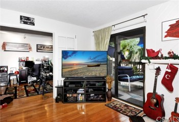 4791 Lago Drive #102 Huntington Beach CA 92649 3
