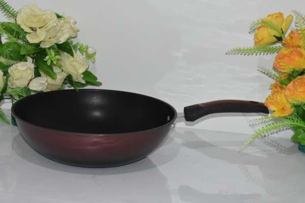Heavy deep nonstick cooking pan