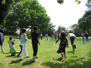 Jeux en tout genre sur les pelouses du parc