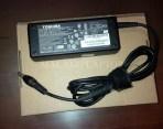 Adaptor Second  Ori Toshiba 19V 3.95A