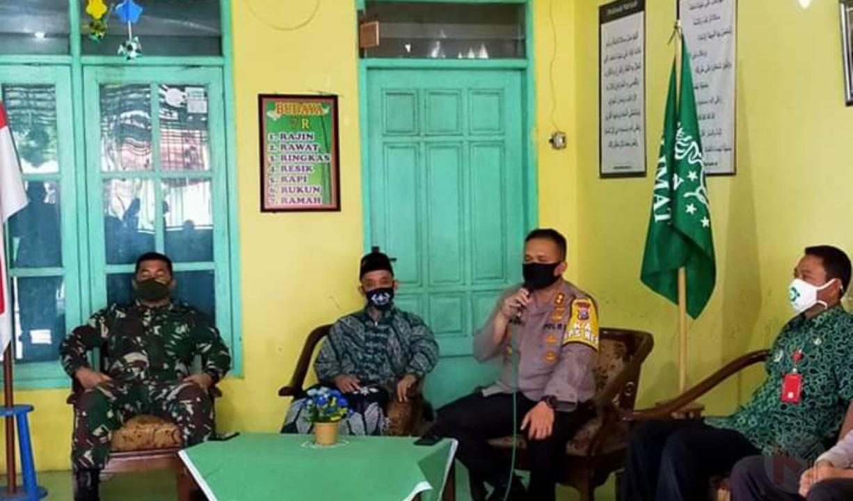 Foto : Kapolres Malang resmikan kampung gotong royong di turen