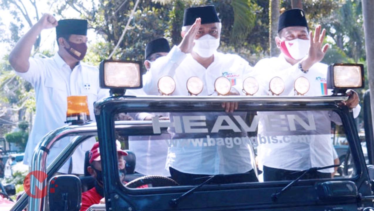 Foto : Pasangan SanDi saat berangkat daftarkan diri ke kantor KPU Kab Malang