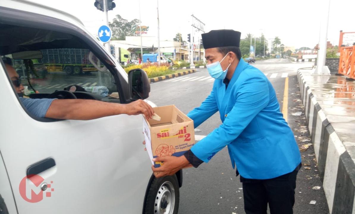 Foto : Ketua PC PMII Kab Malang turun langsung galang dana kemanusiaan korban bencana