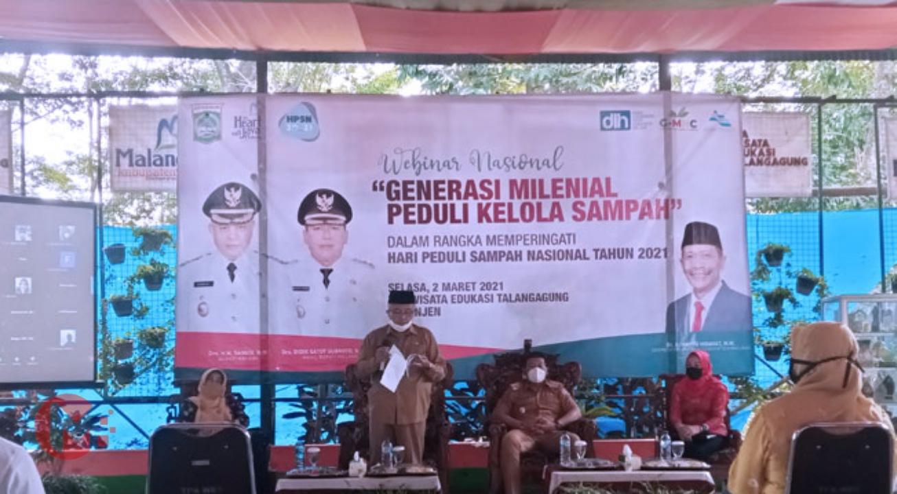 Foto : Bupati Malang, HM Sanusi dalam pembukaan peringatan hari sampah