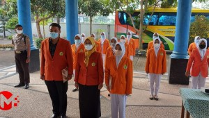 Foto : Apel pemberangkatan mahasiswa kkn stikes