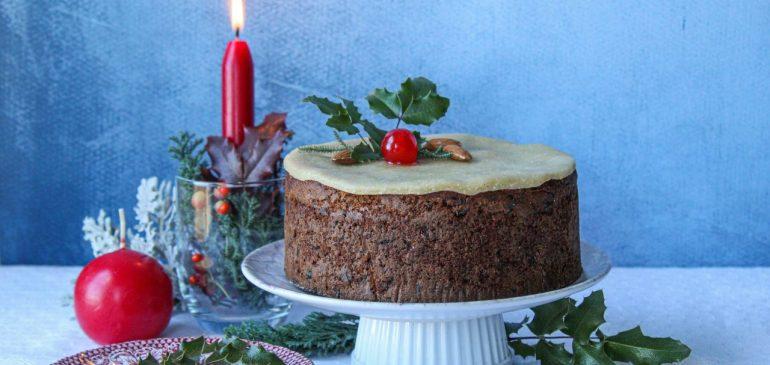Božićna TORTA sa suvim ŠLJIVAMA i marcipanom